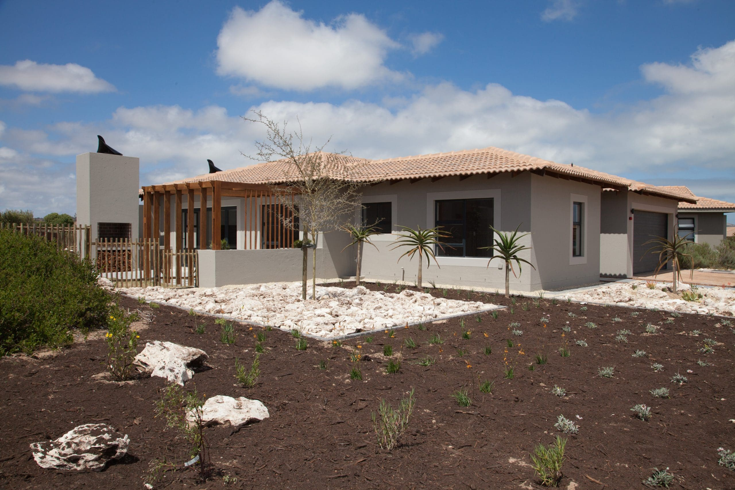langebaan country estate construction 1004 on schapejacht close