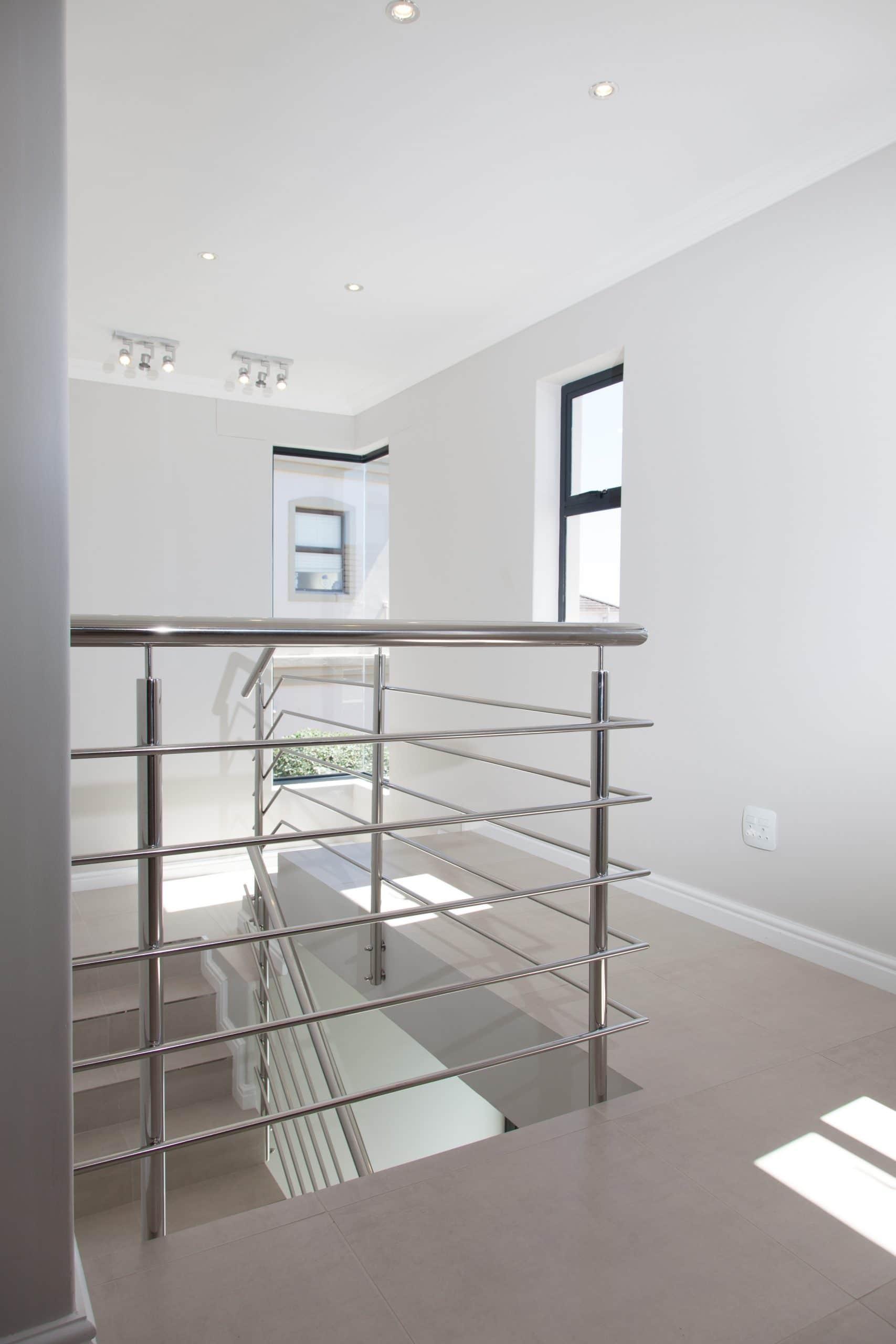 modern stairway stainless steel balustrade