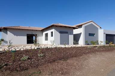 langebaan estate 3 bedroom home